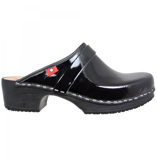 clog soft black patent
